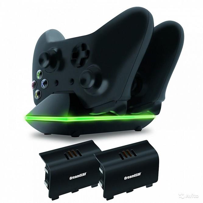 Xbox One Dual Charge Dock (зарядная станция на два геймпада + 2 аккумулятора)